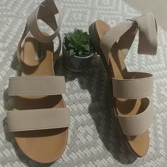 Steve Madden Shoes - 🌞 Steve Madden Nude Sandals Size 10